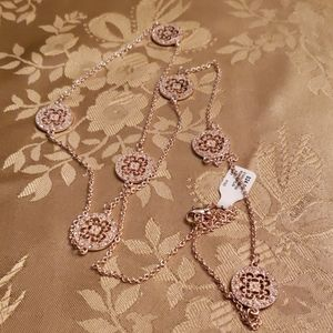 NWT FRANCESCA'S  gold filigree necklace